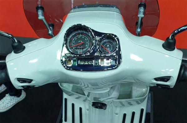 Vespa S 125 Carbon