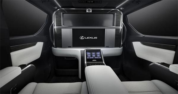 Lexus LM 300h, Lexus LM