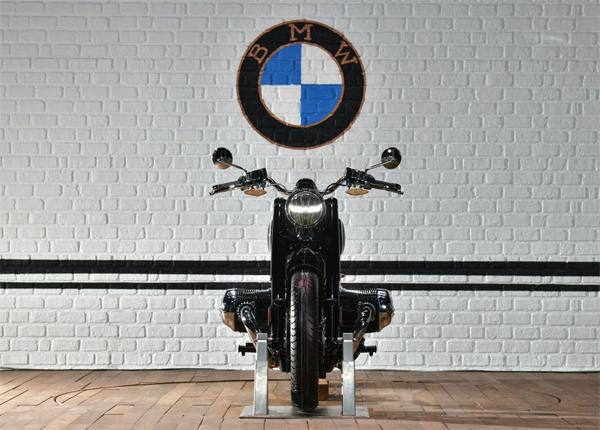 BMW R 18 First Edition
