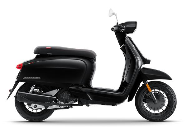Lambretta V200 2021 สีดำ