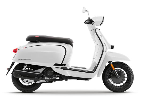 Lambretta V200 2021 สีขาว