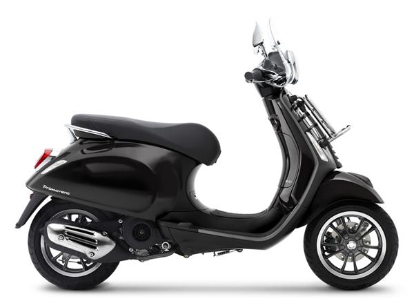 Vespa Primavera S 150 Touring สีดำ